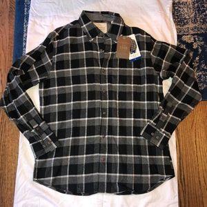 NWT Black Checkered Men's Flannel Button Up | L
